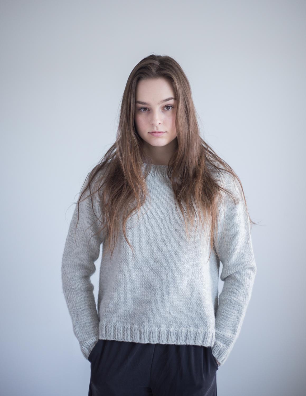 strikkeoppskrift genser dame enkel