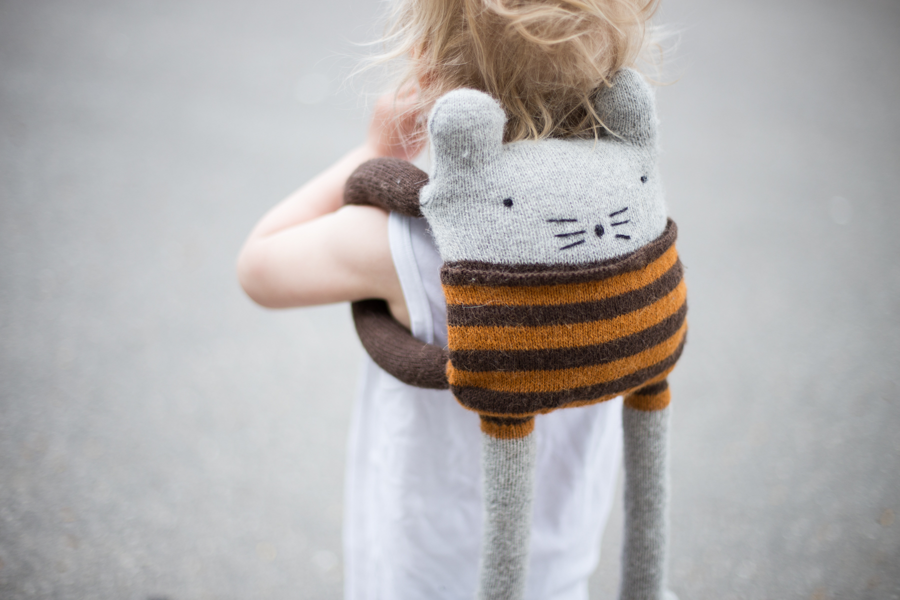 Backpack knitted toy knitting pattern