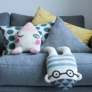 stuffed toy plus knitted knittingpattern strikkeoppskrift strikket knitted friend hanging ou