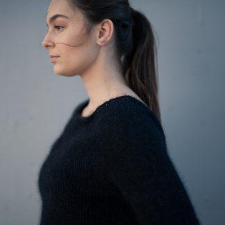 strikkeoppskrift svart genser dame